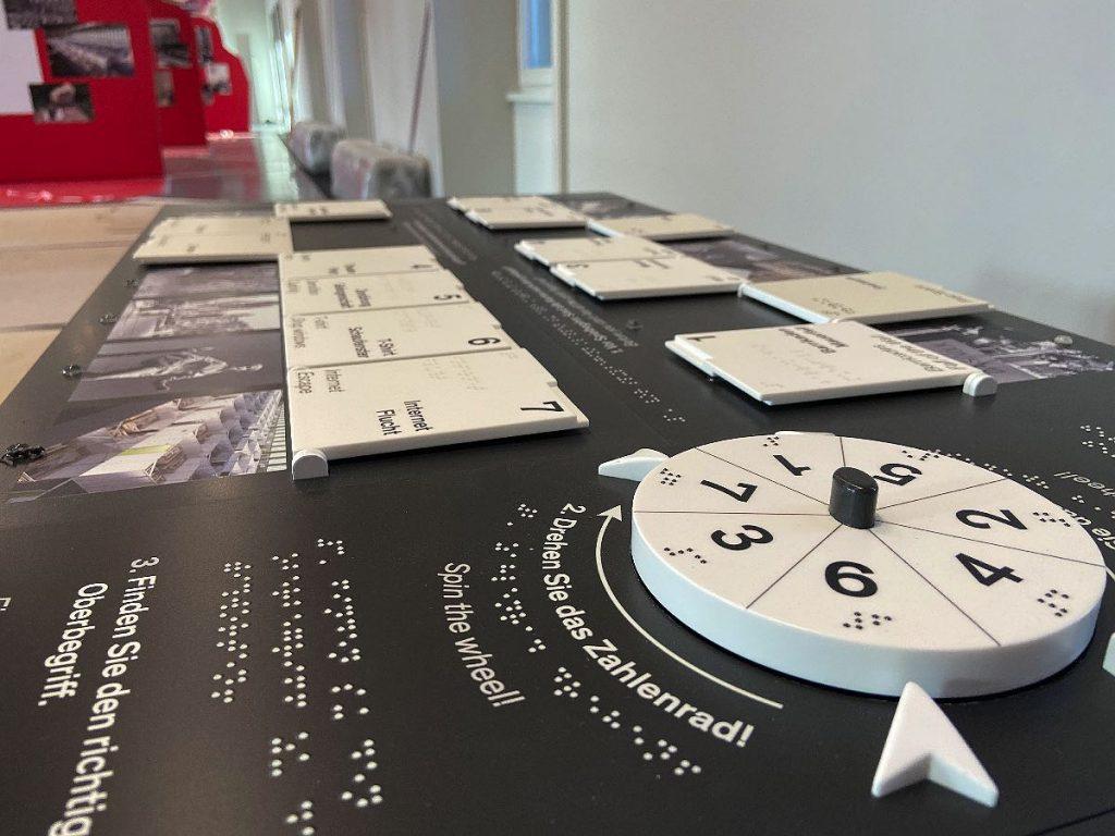 Spieltisch mit didaktischem Mehrwert für Humboldt Forum Berlin